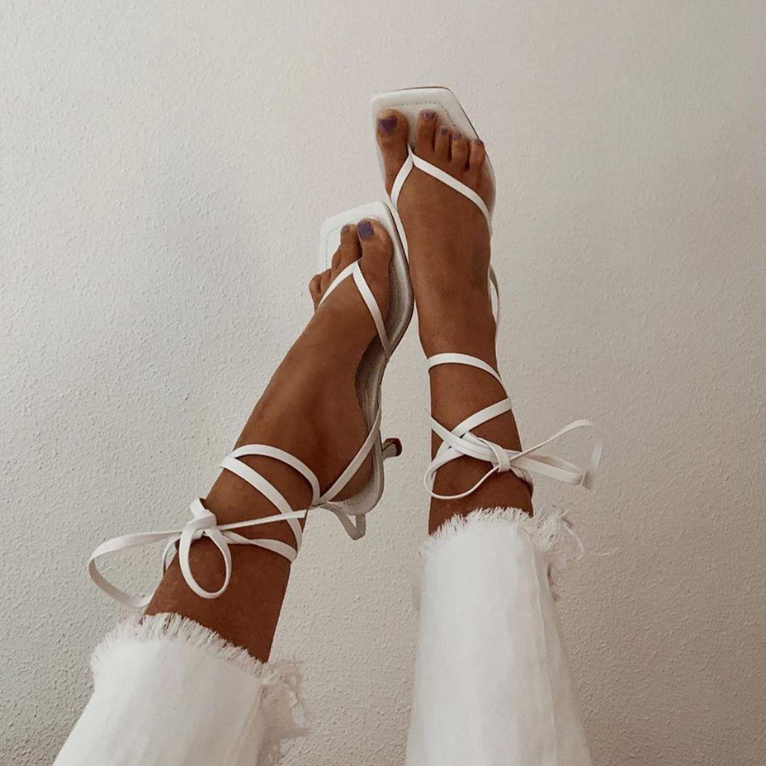 sandales à talons en cuir à bout carré de Zara sur zara.outfits
