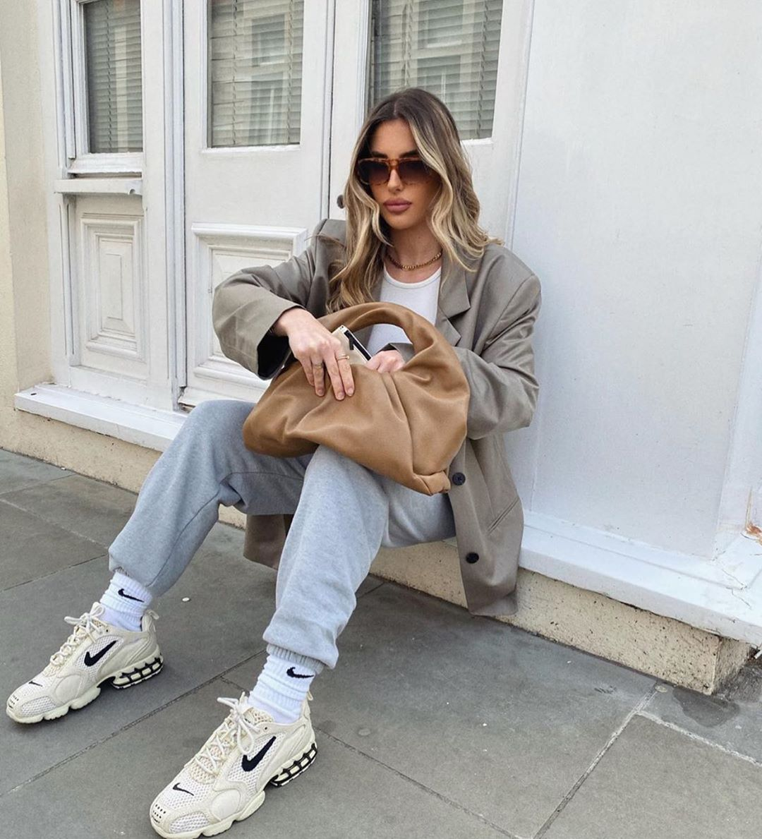 leather pleated shoulder bag de Zara sur zara_daily