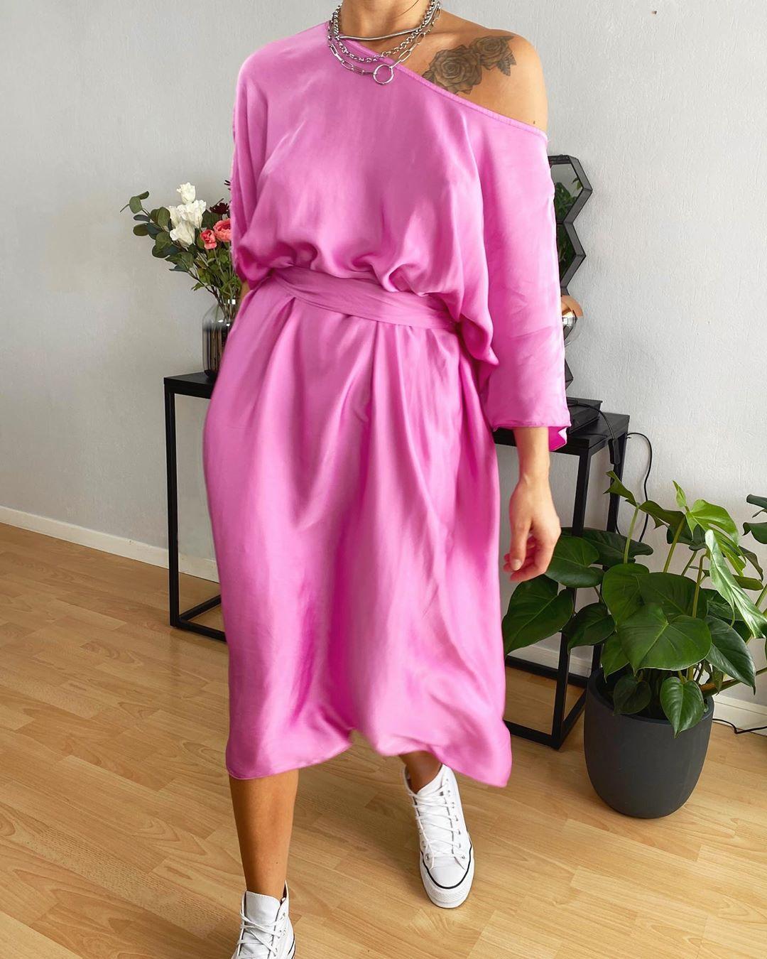 robe soie magenta de Les Bourgeoises sur lesbourgeoisesofficiel