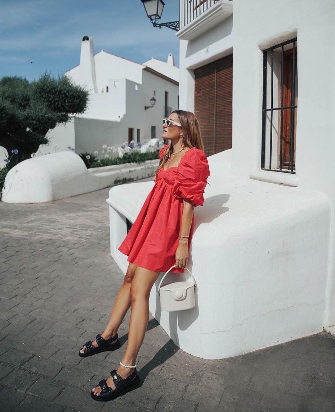 robe en taffetas à volume de Zara sur zara.outfits