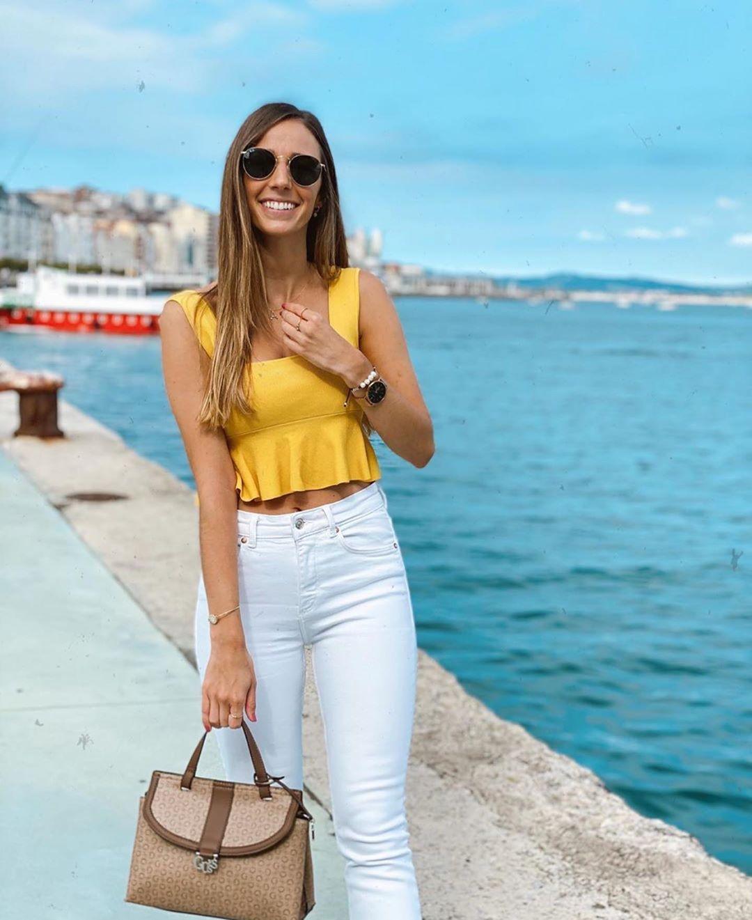 jean taille haute droit de Zara sur zara.outfits