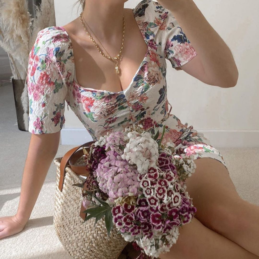 robe à fleurs avec ceinture de Zara sur zara.mania