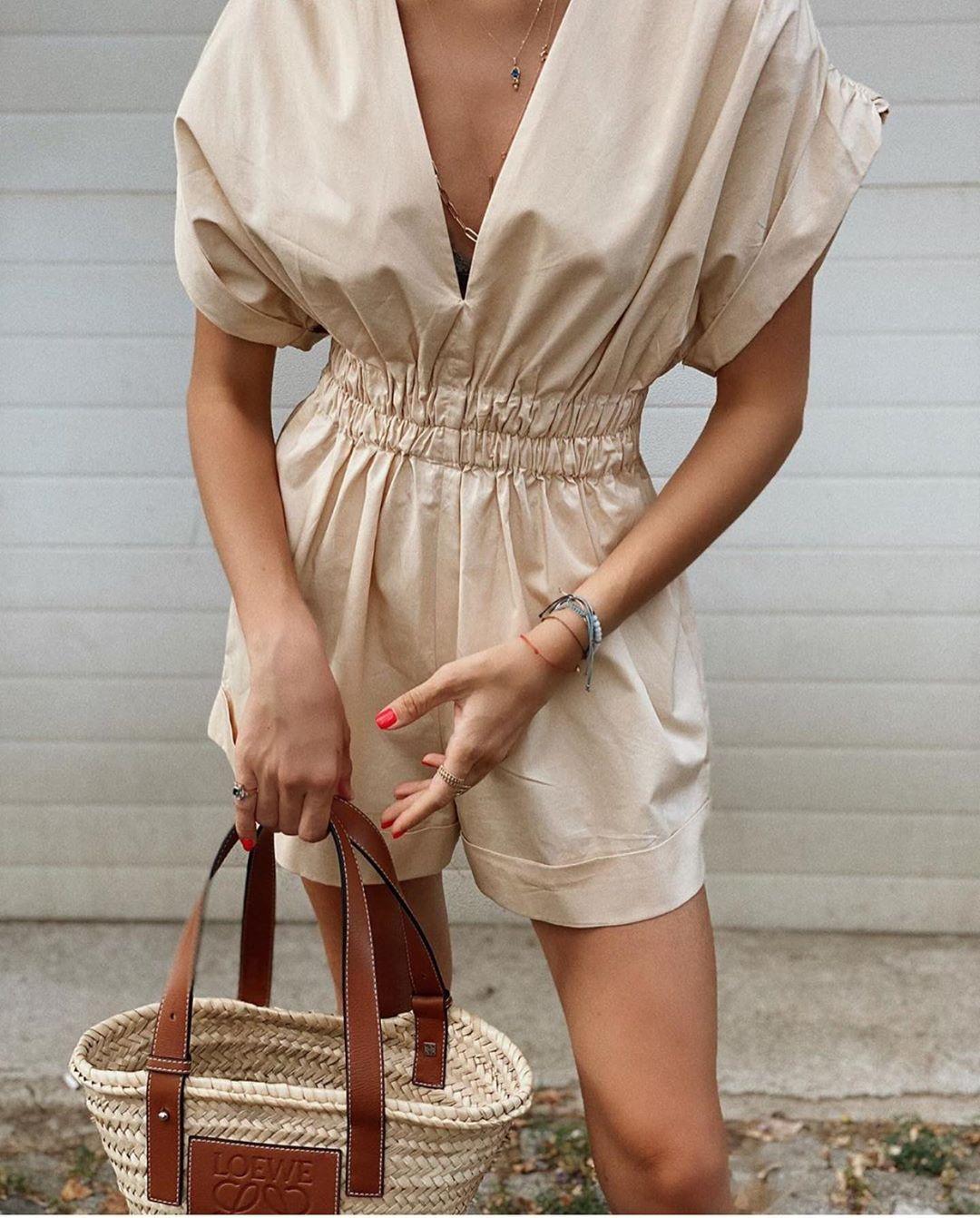 combinaison courte à plis de Zara sur zara.outfits