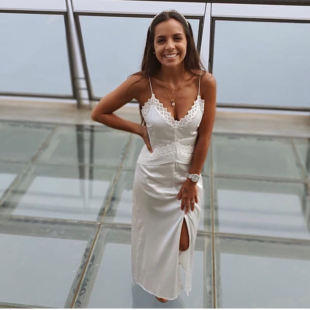 robe satinée style lingerie de Zara sur zara.outfits