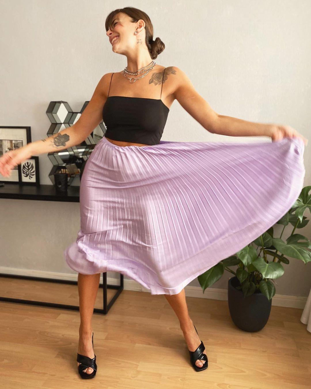 jupe plissée lila de Les Bourgeoises sur lesbourgeoisesofficiel