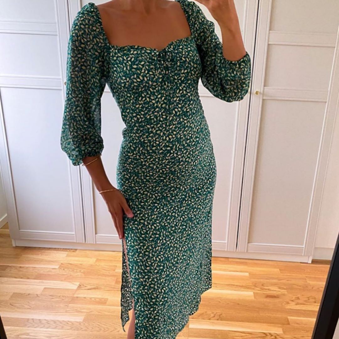 robe mi-longue imprimée de Zara sur zara.mania