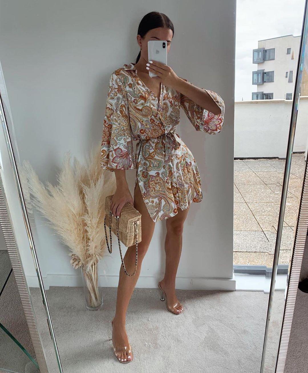 mules en vinyle à talons en méthacrylate de Zara sur zara.outfits