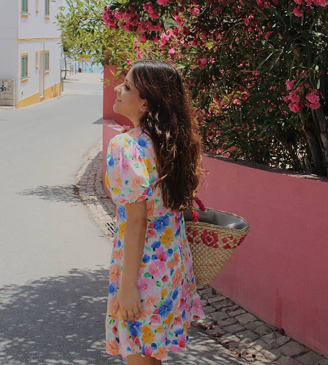 robe courte imprimée de Zara sur zara.outfits