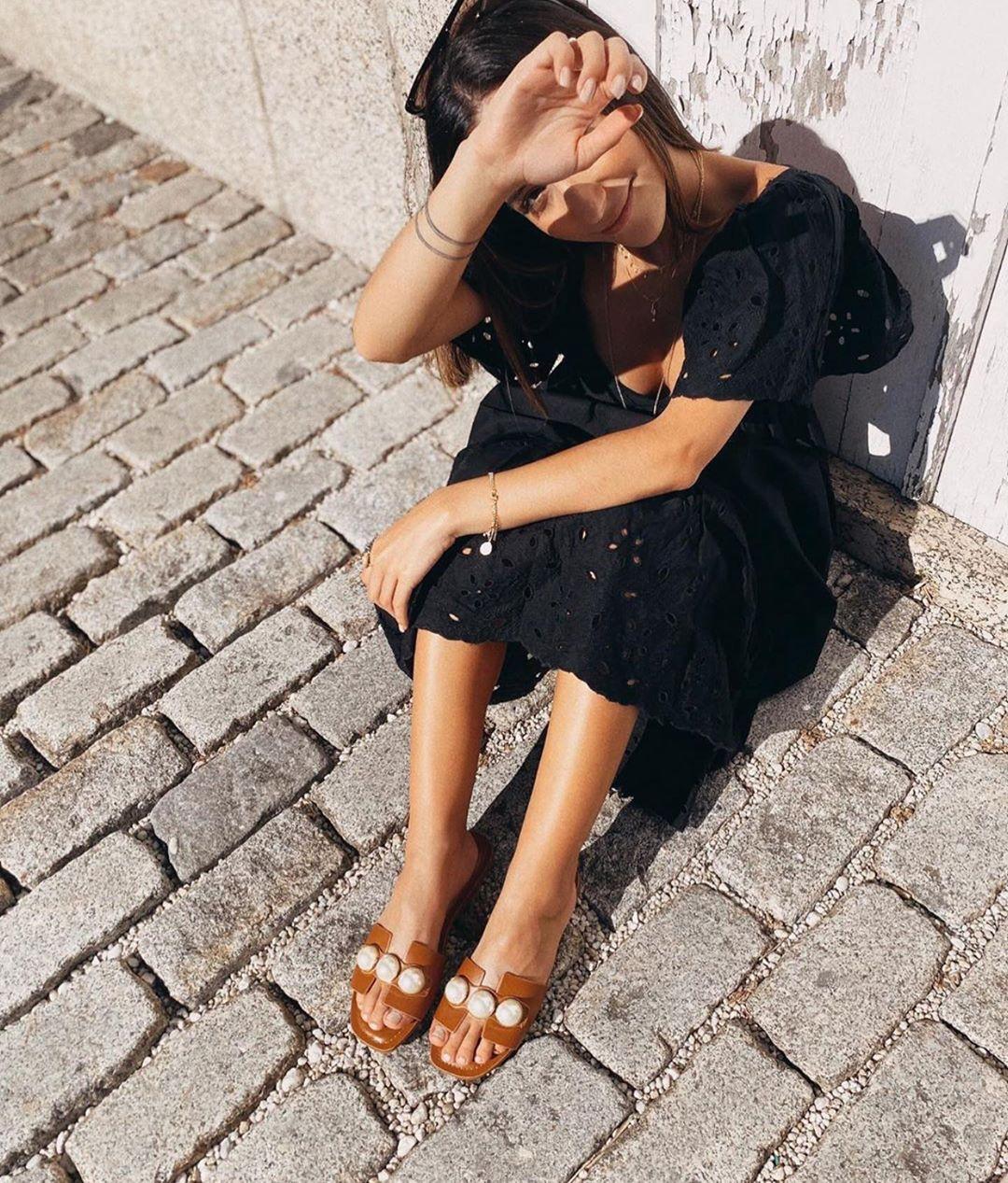 beaded leather flat sandals de Zara sur zaraaddiction