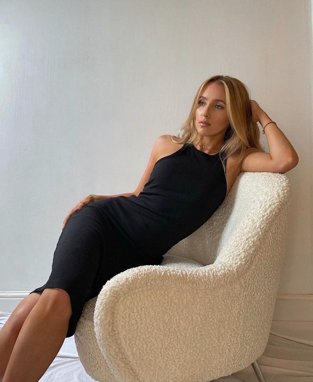 high neck backless dress de Zara sur zaraaddiction