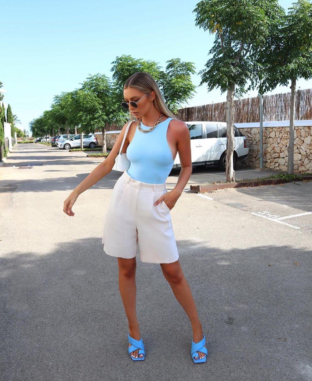 sandales à talons en cuir matelassé de Zara sur zara.outfits