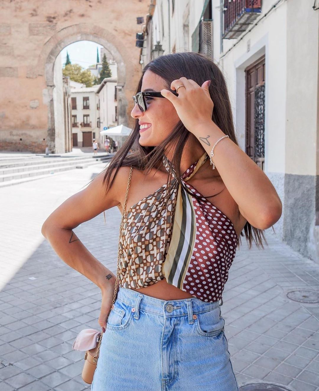 foulard imprimé de Zara sur zara.outfits