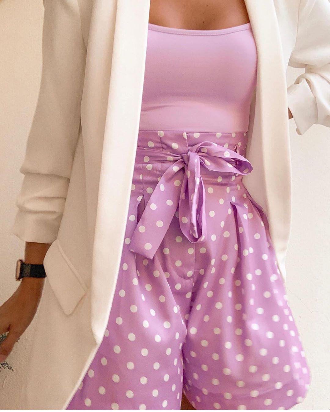 bermuda à taille plissée avec imprimé à pois de Zara sur zara.outfits