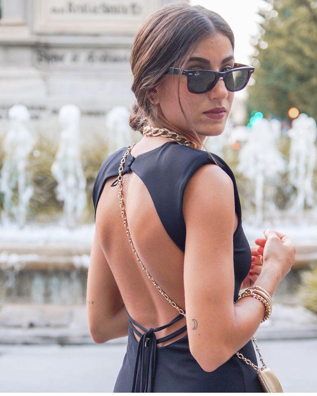robe à épaulettes de Zara sur zara.outfits