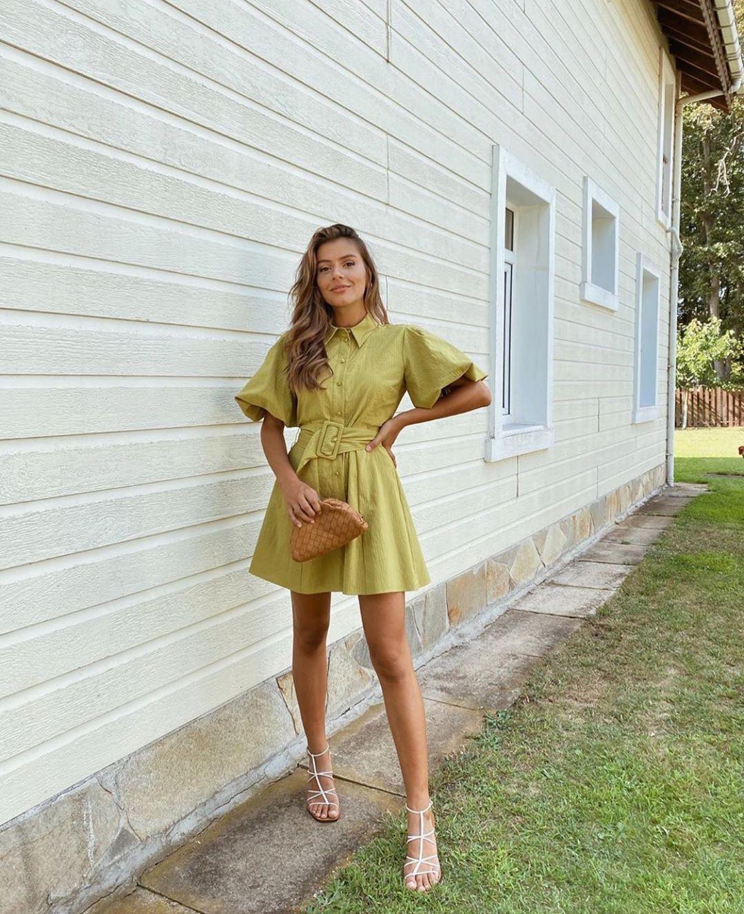 dress with loose sleeves de Zara sur zarastreetstyle