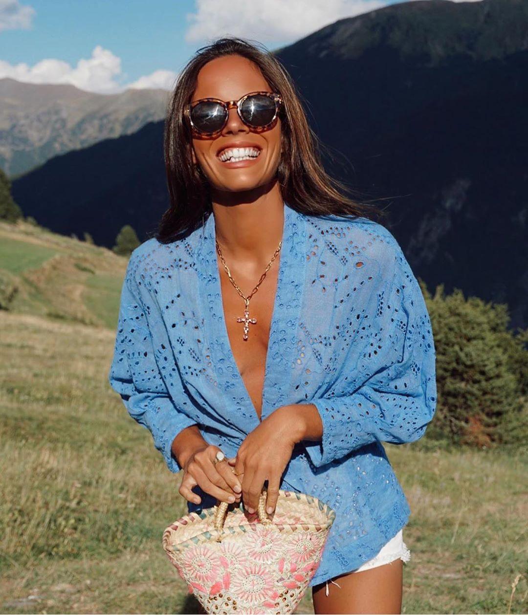 blouse avec broderies perforées de Zara sur zara.outfits