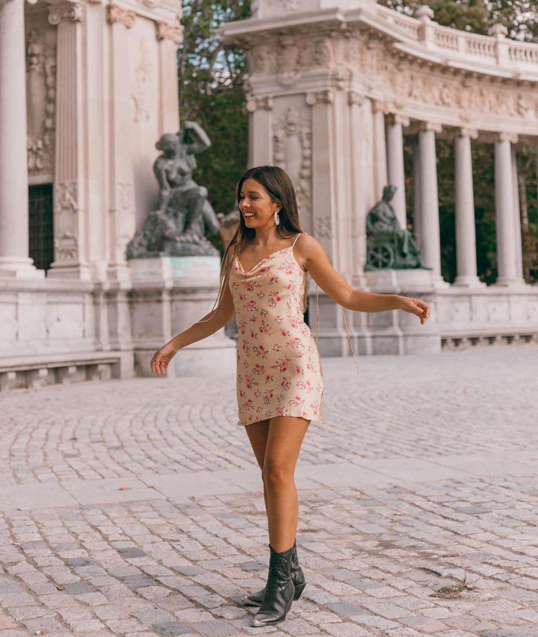 floral print draped dress de Zara sur zaraaddiction