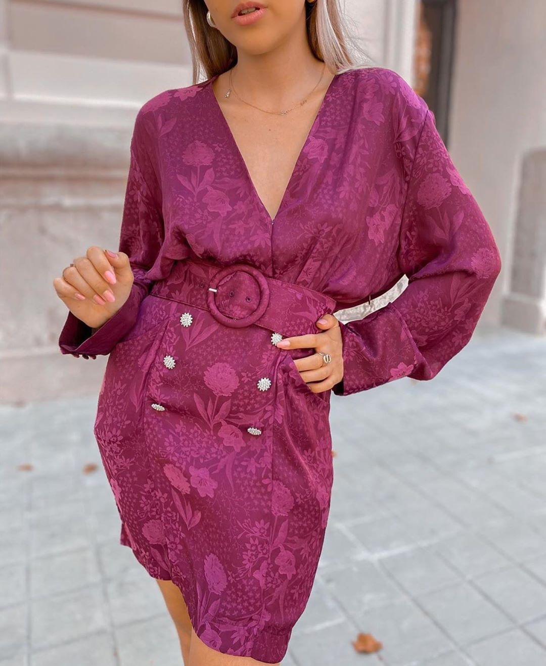 robe en jacquard à ceinture de Zara sur zara.outfits