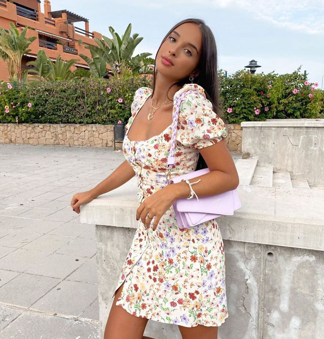 robe à imprimé fleuri de Zara sur zara.outfits