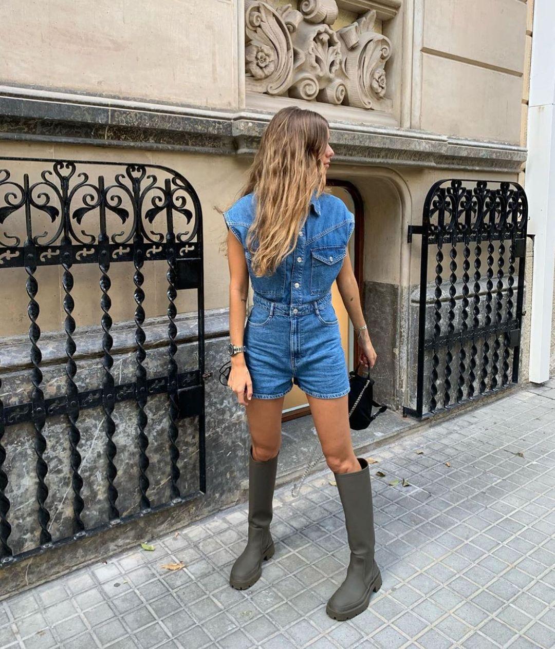 gummed flat boots de Zara sur zarastreetstyle