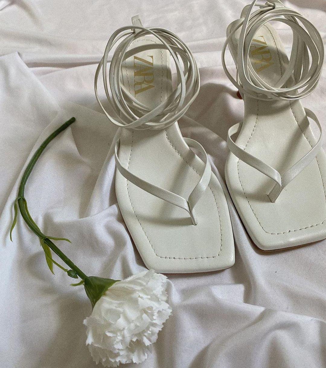 square toe leather heel sandals de Zara sur zaraaddiction