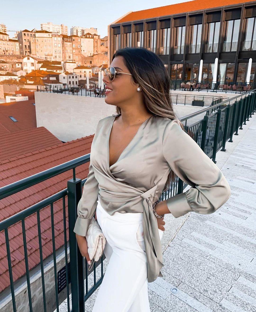 haut satiné cache-cœur de Zara sur zara.outfits