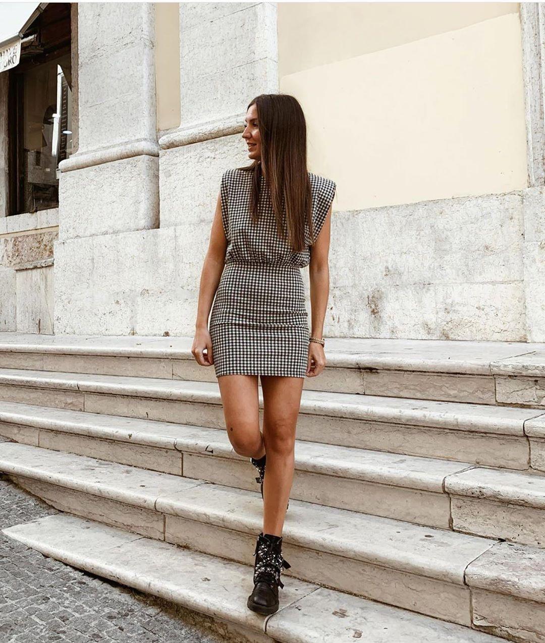 robe structurée à fronces de Zara sur zara.outfits