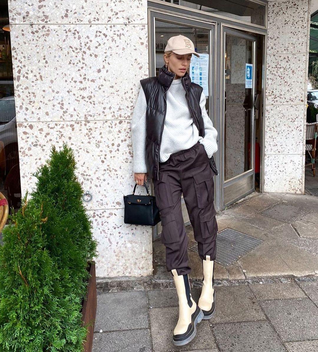leather effect quilted sleeveless down jacket de Zara sur zarastreetstyle