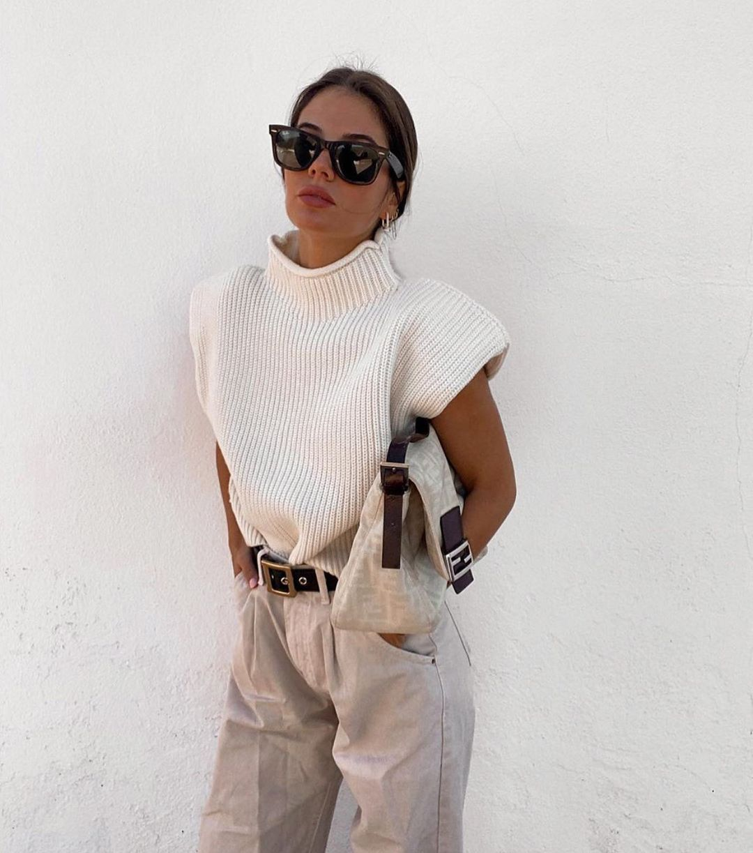 knit top with shoulder pads de Zara sur zaraaddiction