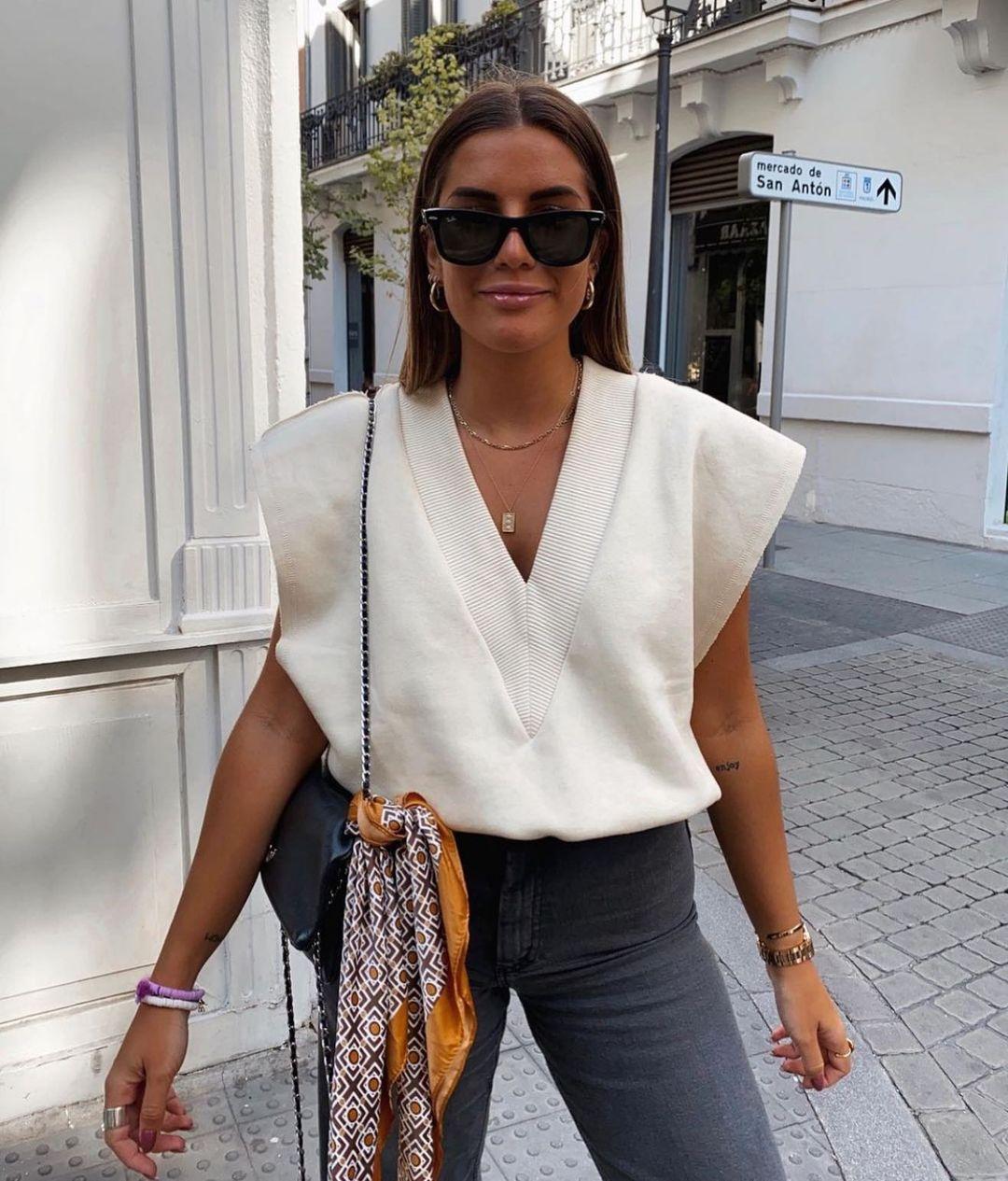 mesh vest with openings de Zara sur zarastreetstyle
