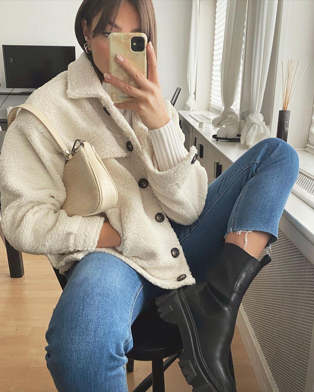 jeans momfit croped de Les Bourgeoises sur lesbourgeoisesofficiel