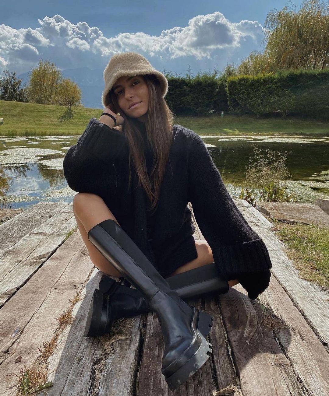 leather flat boots with track soles de Zara sur zaraaddiction