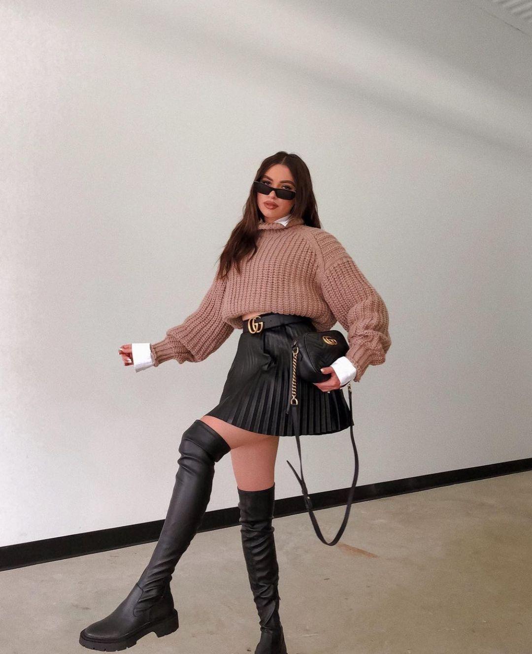 pleated synthetic leather skirt de Zara sur zarastreetstyle