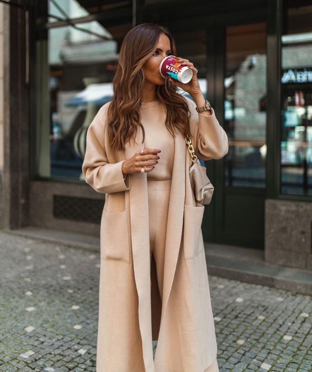 manteau long en maille de Zara sur zara.outfits