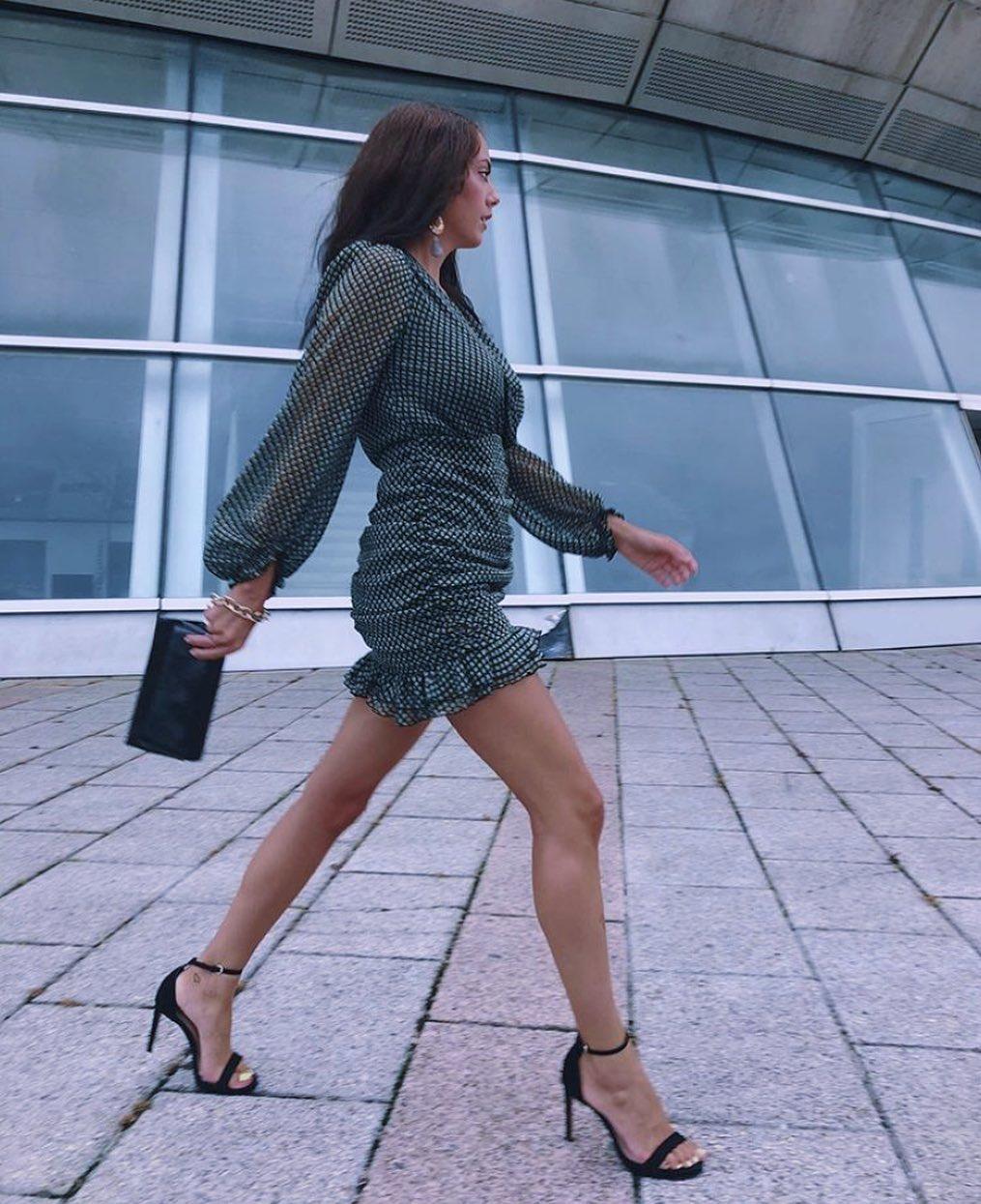 draped dress with metallic thread de Zara sur mangoooutfits