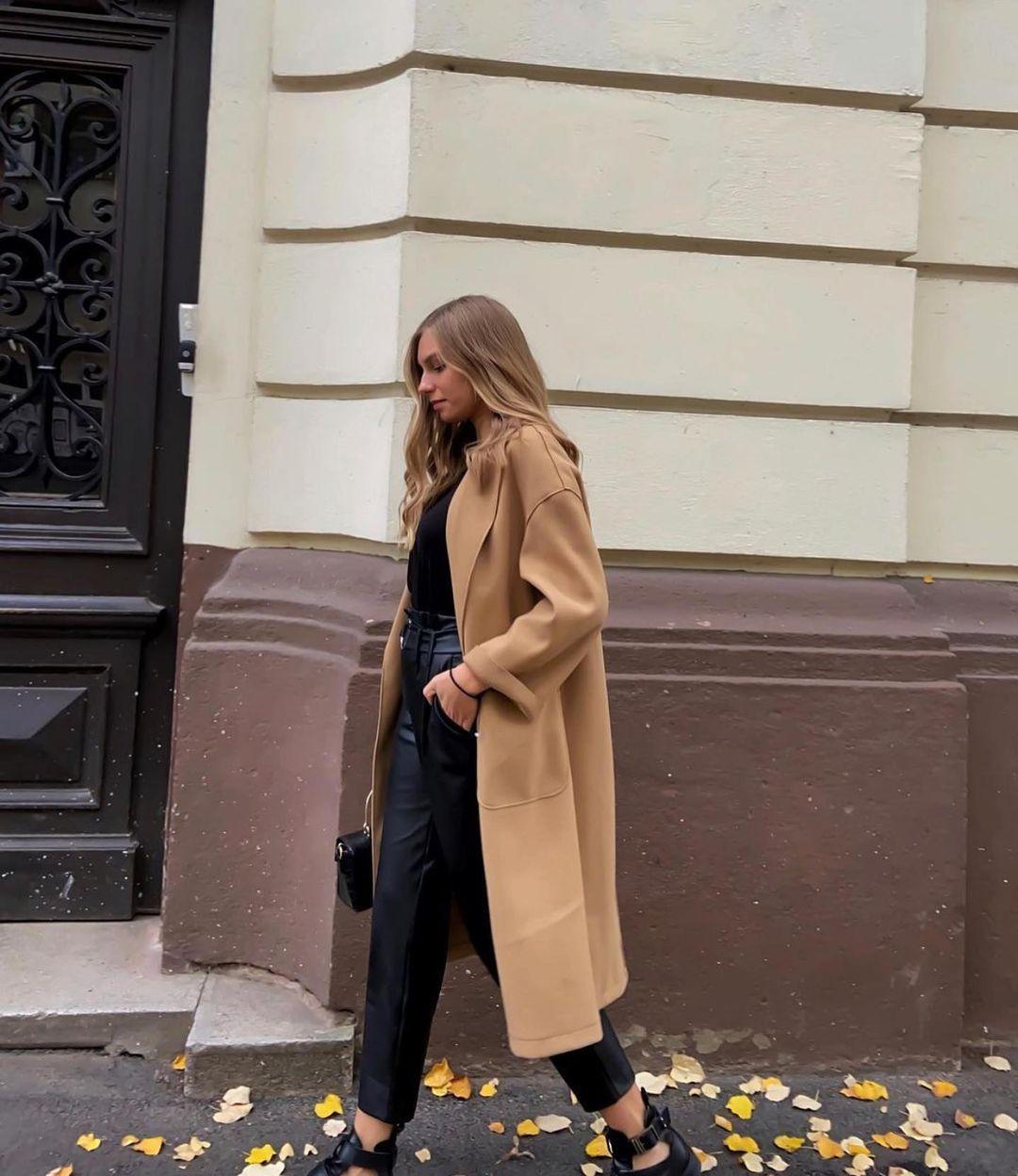 manteau avec poches et ceinture de Zara sur zara.outfits