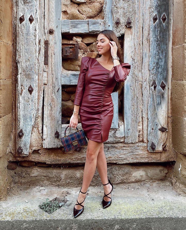 robe courte en cuir synthétique de Zara sur zara.outfits