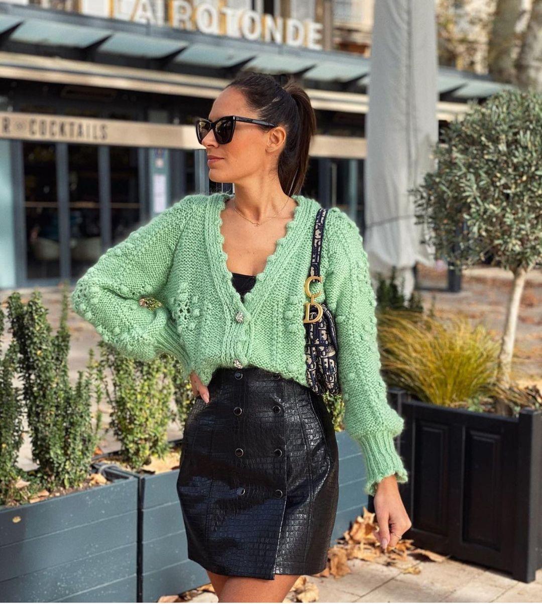 mini-jupe en cuir synthétique de Zara sur zara.outfits