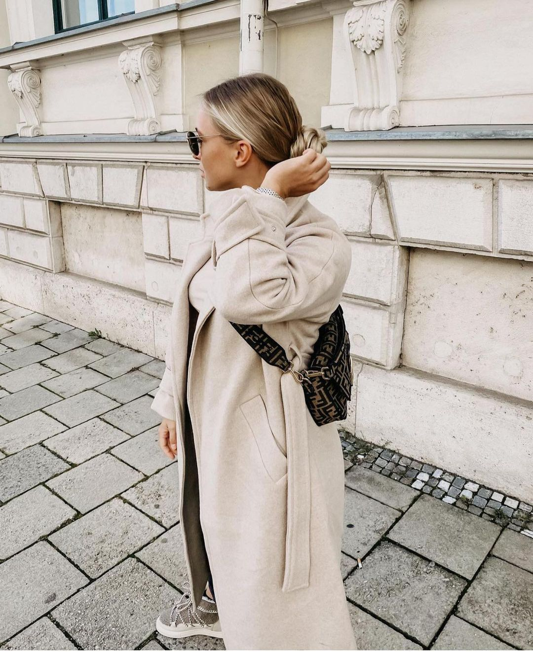 gabardine en cuir édition limitée de Zara sur zara.outfits