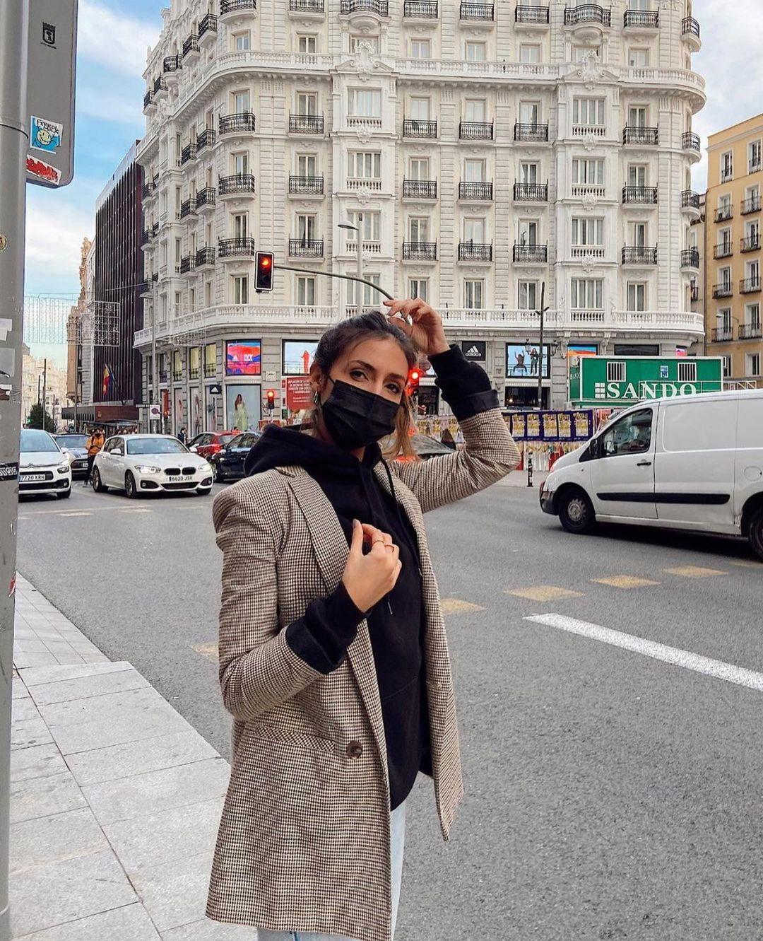 veste à carreaux avec boutonnage croisé de Zara sur zara.outfits