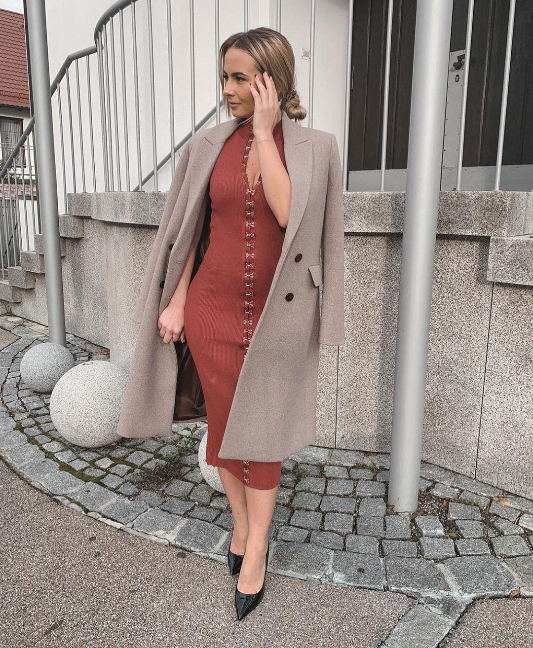 staple knit dress de Zara sur zarastreetstyle