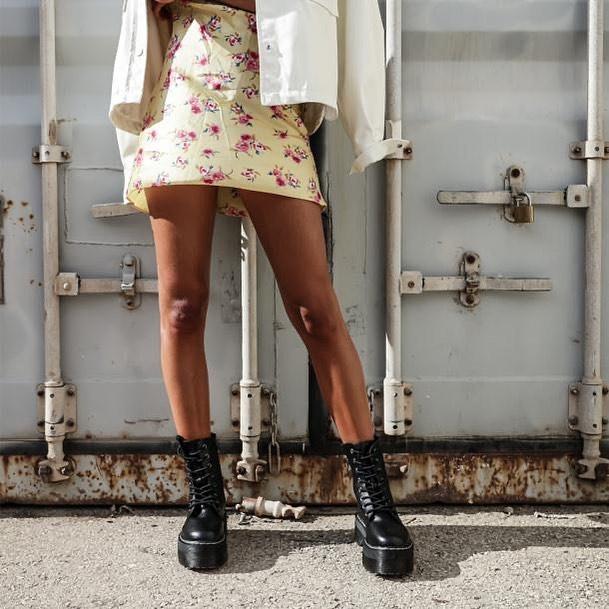 robe drapée à imprimé fleurs de Zara sur zara.outfits