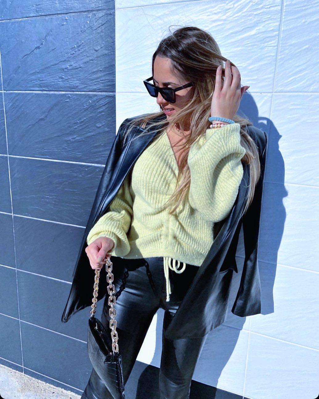animal print shoulder bag with chains de Zara sur mangoooutfits