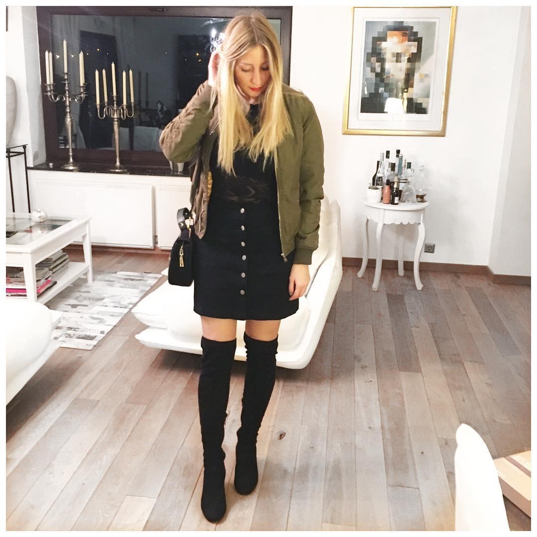 jupe noire suédine de Les Bourgeoises sur thewildgirlblog