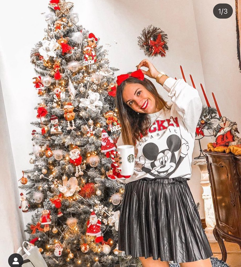 mickey sweatshirt de Stradivarius sur stradivariusforyou