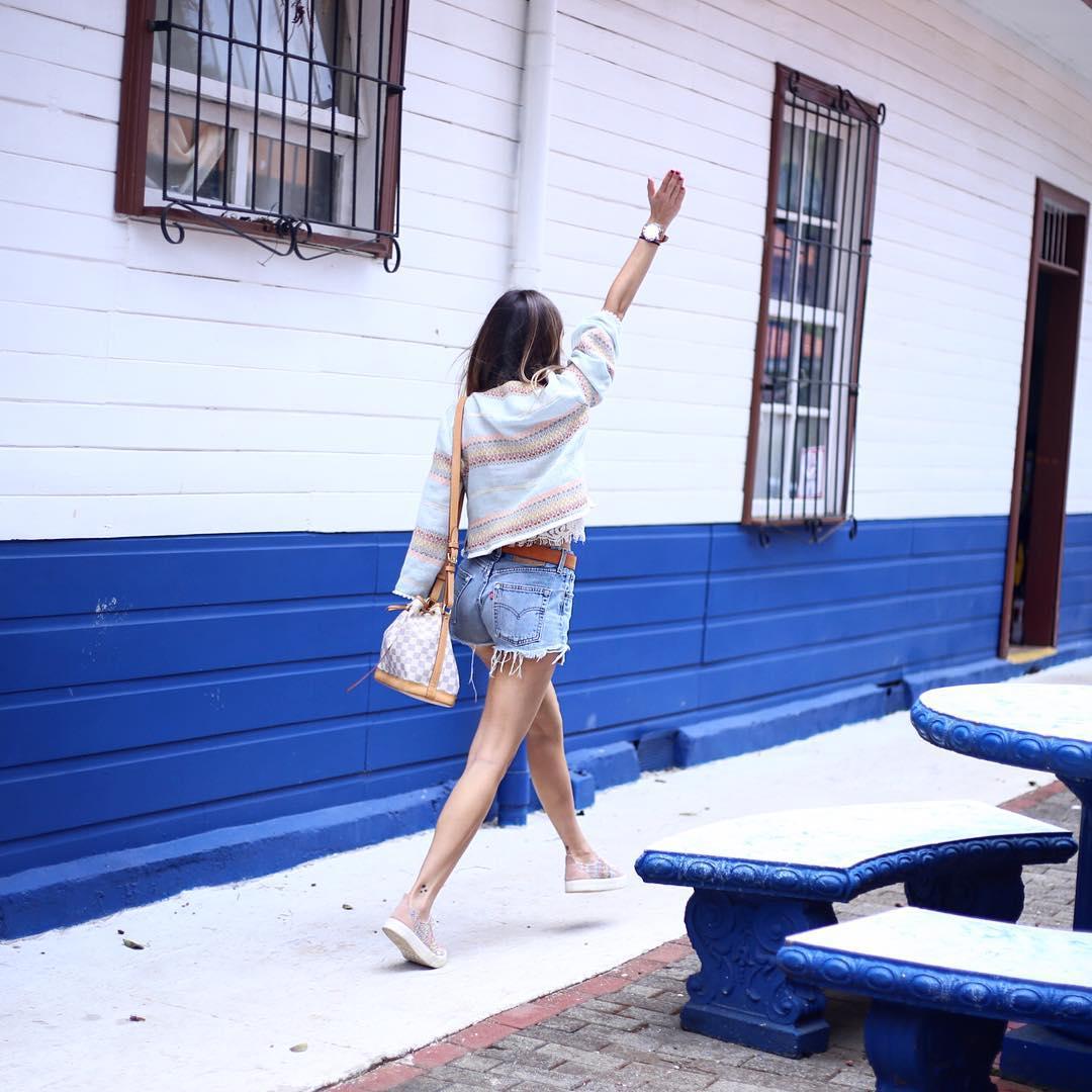 short levis 501 jeans light blue side pulls  de Les Bourgeoises sur martacarriedo