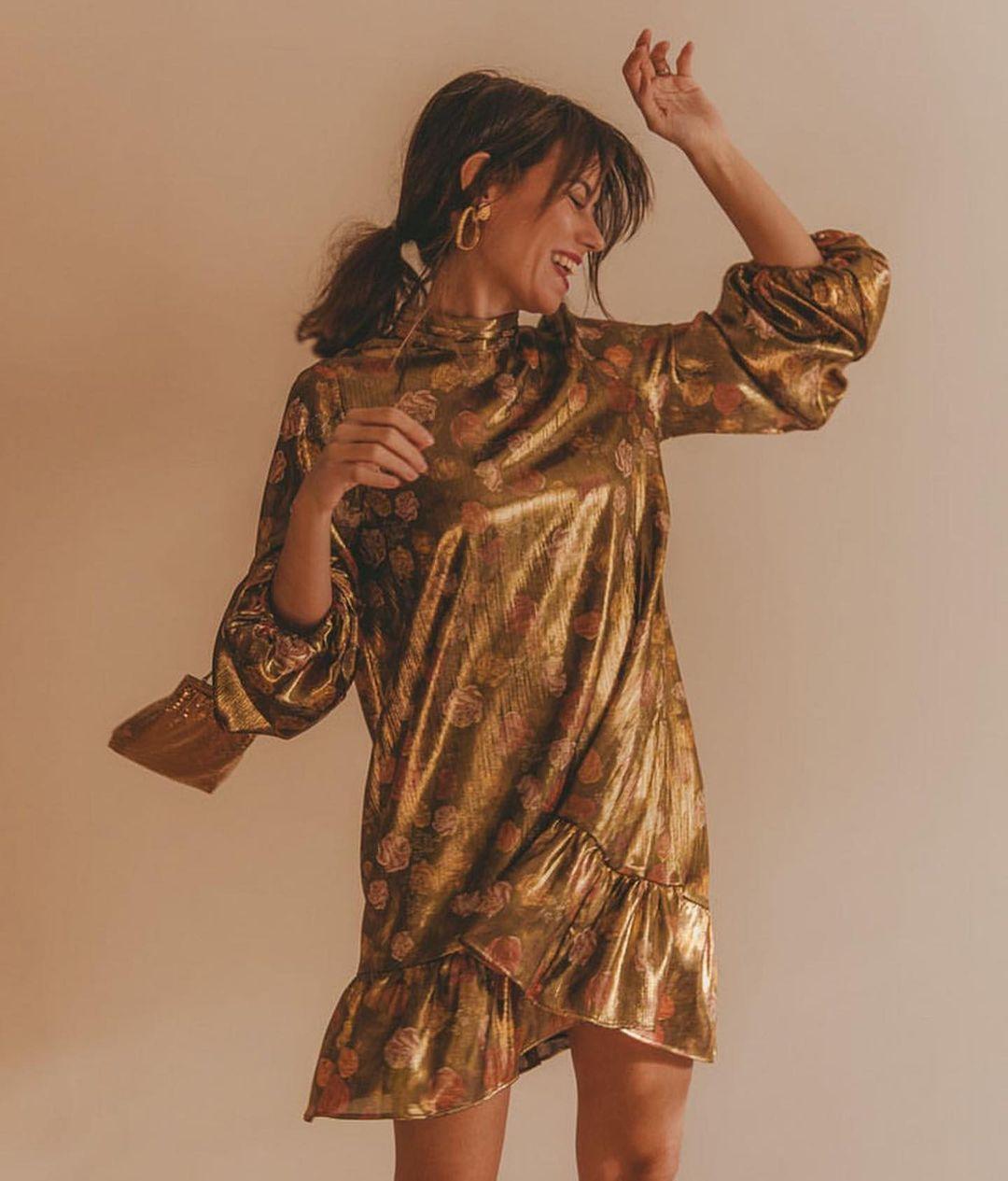 robe à imprimé brillant de Zara sur zara.outfits