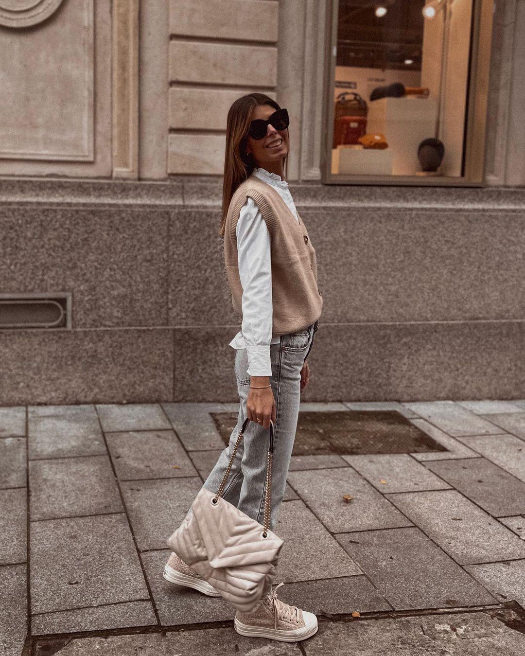 curved leg high waisted jeans de Zara sur nooomsworld