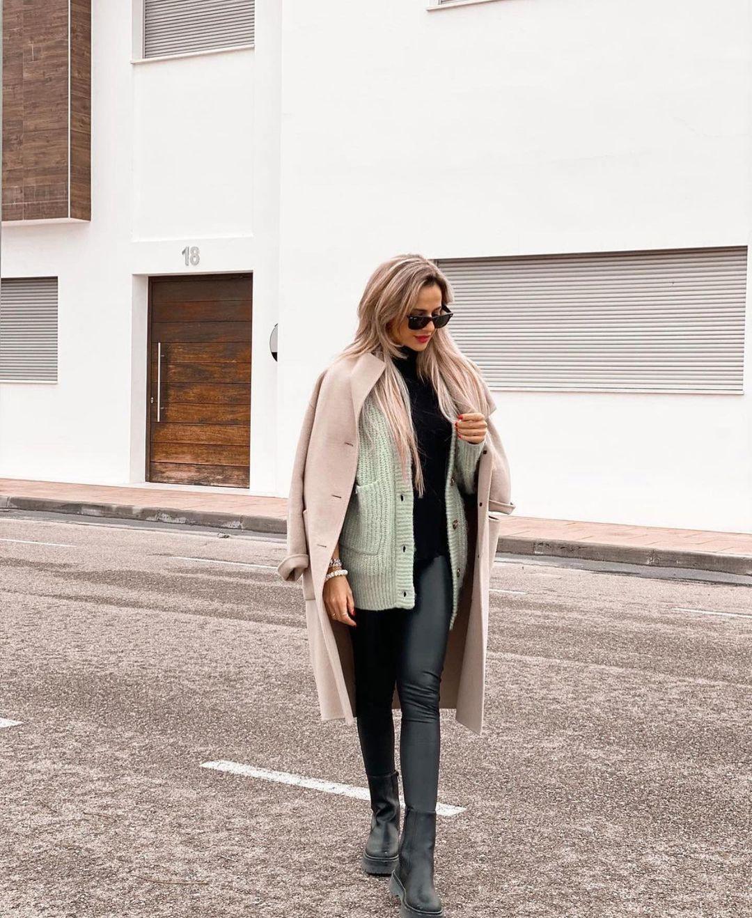 gilet en maille avec poches plaquées de Zara sur zara.outfits