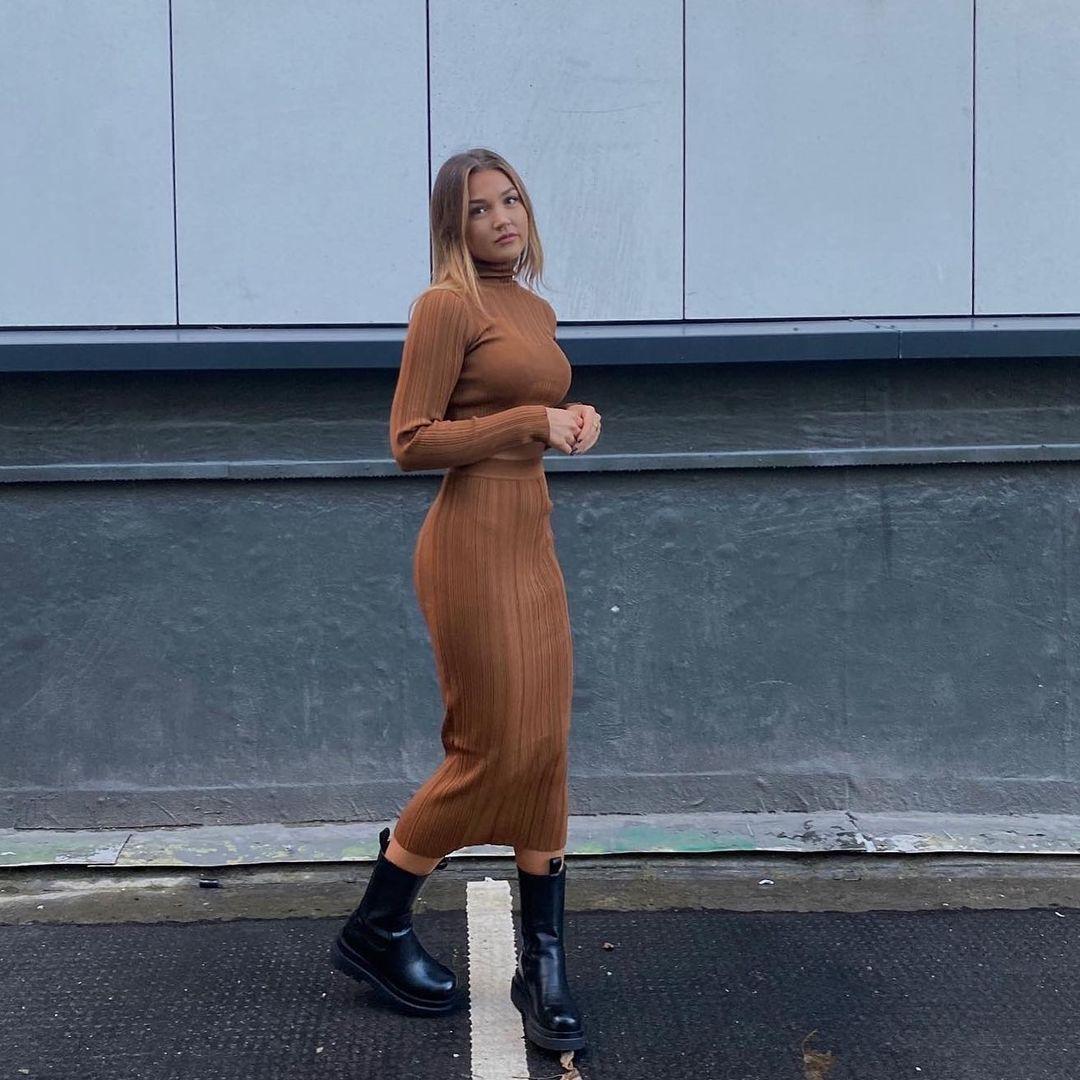 mid-length knitted skirt de Zara sur zara.style.daily